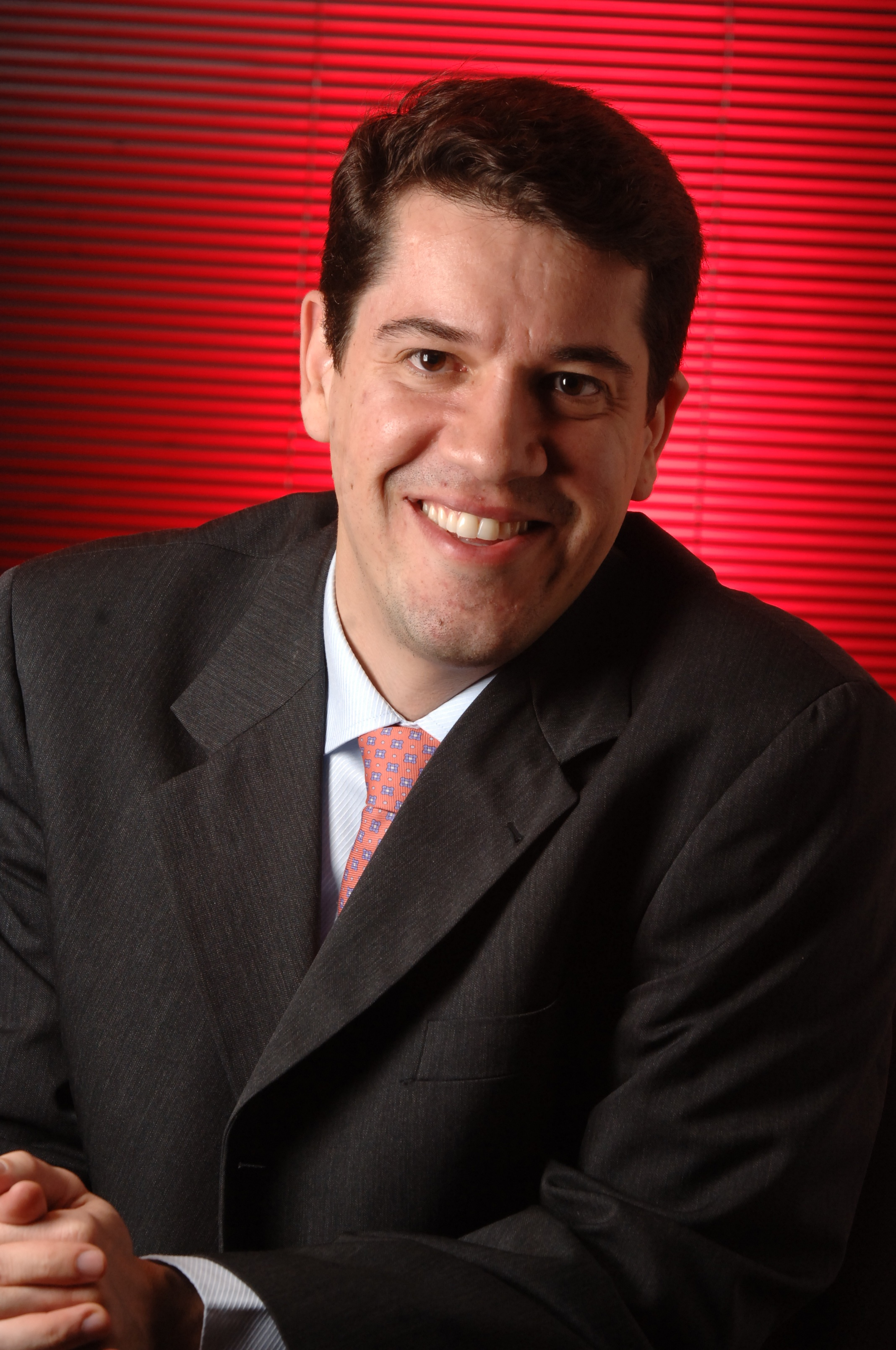 Santander Seguros Investe Para Fidelizar Cliente Sonho Seguro
